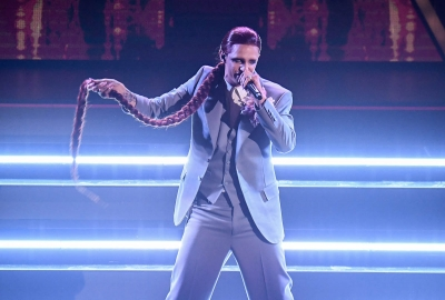 Italian singer Achille Lauro performs on stage at the Ariston theatre during the 71st Sanremo Italian Song Festival, Sanremo, Italy, 03 March 2021. The festival runs from 02 to 06 March. ANSA/ETTORE FERRARI