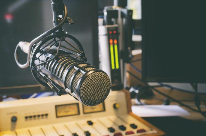 microfono corso radiofonico